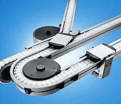 Transfersysteme mit Gliederkettenförderer, Plattenkettenförderer