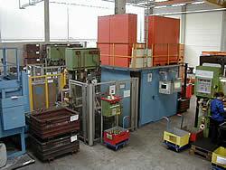 Automatische Magnetpulverrissprüfung an Schmiedeteilen