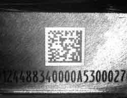 Lesung von gelaserten Matrixcodes an Motorenteilen