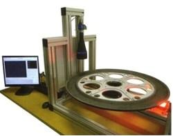 Bildverarbeitungslösungen zur Prüfung von Spinnplatten-Kapillaren